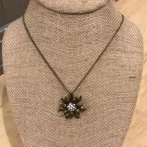 Cute Fossil flower pendant necklace in bronze tone